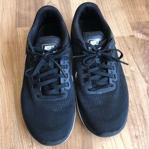 Nike flex run shoes